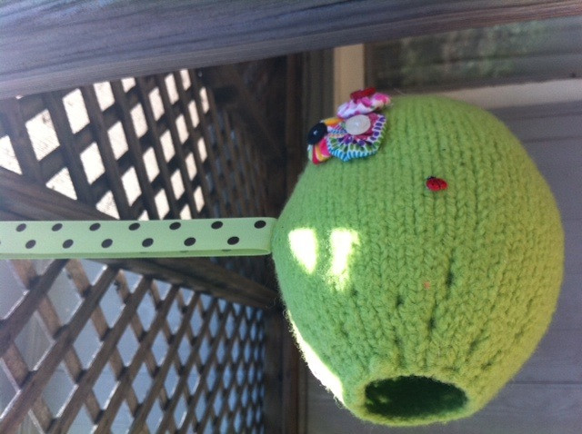 Knitted birds nest (hanging)