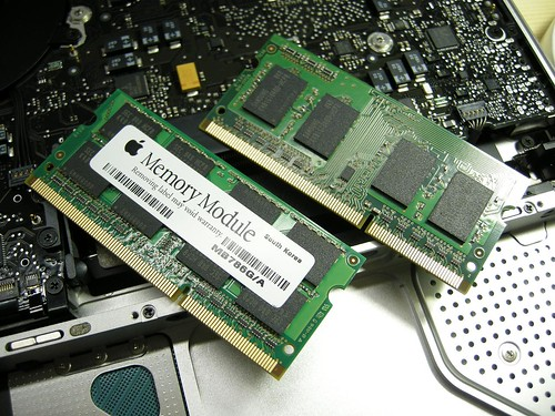 Details of MacBook Late 2008