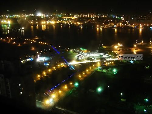高雄港夜景之二。