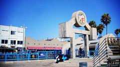 Venice Beach 的詭異L.A. 市徽地標...