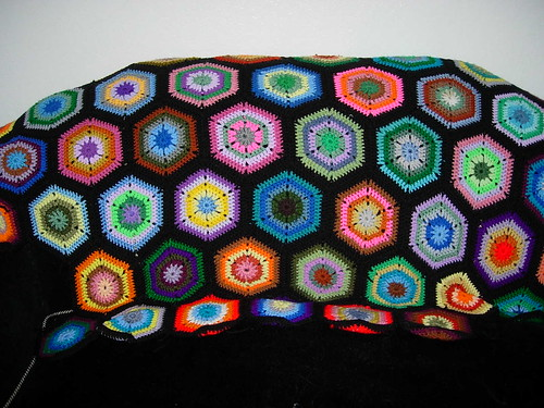 * Awesome way to use up leftover yarn!  I love crazy quilt/leftover blankets.  :)