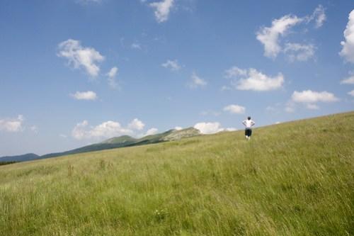 Céline sur la crête de la montagne d'Ambel