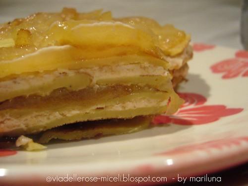 Crepe con farina di ceci alle pere caraellate al miele e crema di amaretti