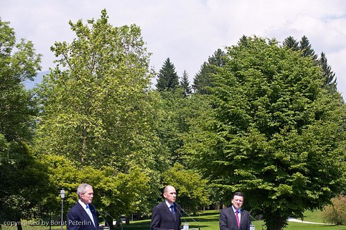 Flower - Power project with George Bush, Janez Janša and jose Manuel Barroso