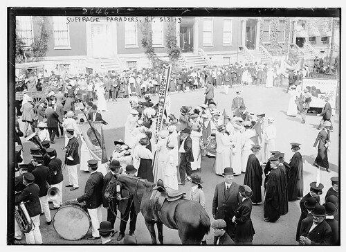 Suffrage Paraders, N.Y. (LOC)
