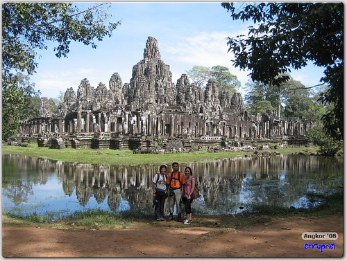Group photo at Bayon (SE)