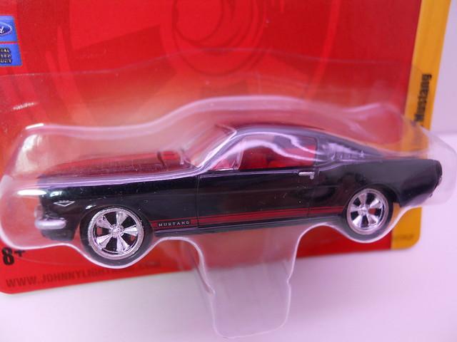 johnny lightning 1965 ford mustang blk red (2)