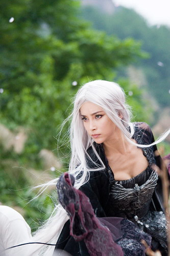 Li Bingbing as the white haired witch