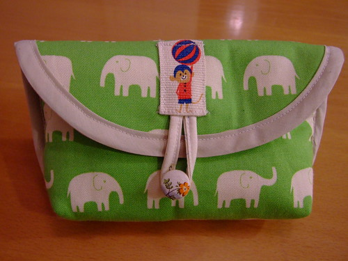 elephant pouch closed
