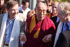 Eckhart Tolle with the Dalai Lama at the Vancouver Peace Summit, peace, eckhart tolle, dalai lama, vancouver,