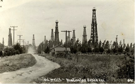 Huntinton Beach Oil Fields.jpg
