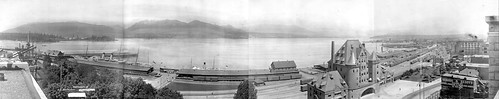 Waterfront_panorama_1910_LAC_Vancouver.jpg