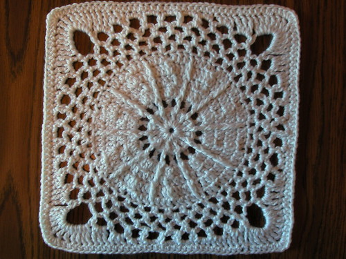 What a lovely crochet square for an afghan!