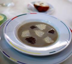 Entree: Soupe d'Artichaut a la Truffe Noir
