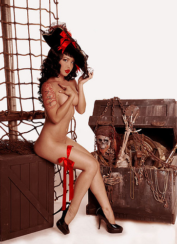 pirate pinup