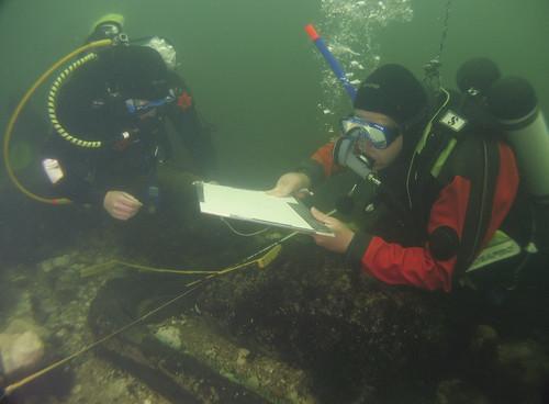 MAP divers recording a timber at Brusviken