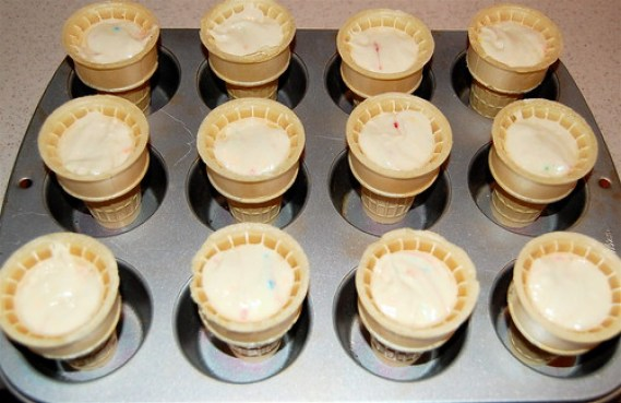 Fill cones with cake batter