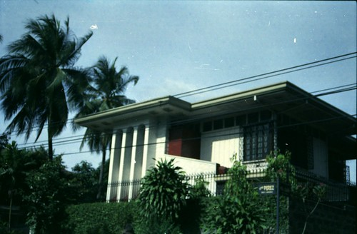 old house (near Banawe/ Quezon Avenue)