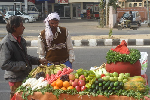水上宮殿1-11旁邊賣水果