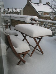 Balcony furniture and snow, 2 Feb 2009