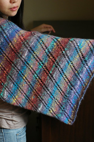 * Pretty stole - I bet it knits up really fast, too!