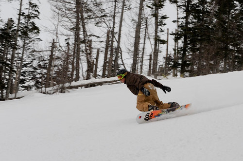 Al carving big arcs at Rusutsu