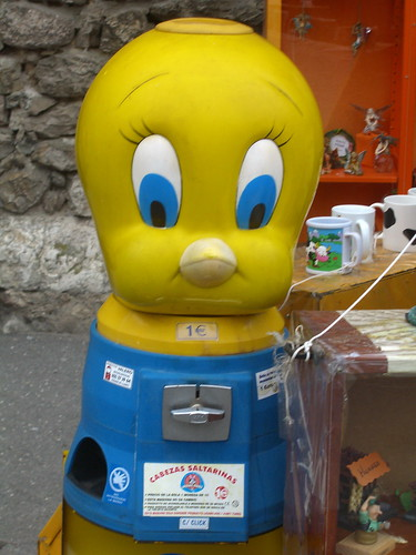 Tweety Vending Machine