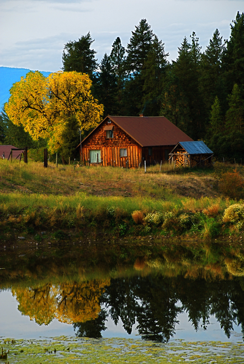 Ranch house in the fall
