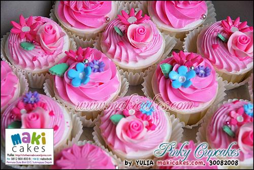 Pinky Cupcakes ver 2_ - Maki Cakes