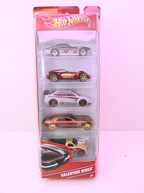 hot wheels valentine rides gift pack (1)