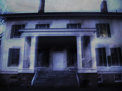 Bell Manor