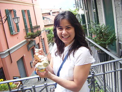 Judy with gelato in Bellagio