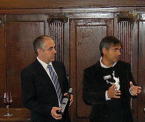Presentación del proyecto artistico y etiqueta TANKA 2004 en el monasterio de Yuso de San Millán de la Cogolla