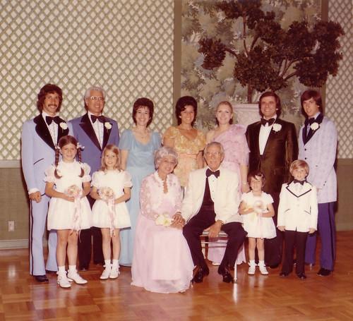 Michael, Don, Ella, Joan, Barbara, J Brin, Wayne - Debbie, Jessica, Hanah, Irving, Dianie, Joshua Schulman.jpg