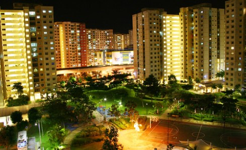 Night view of Punggol Estate. Photo credits: Missy - verysporty, Flickr