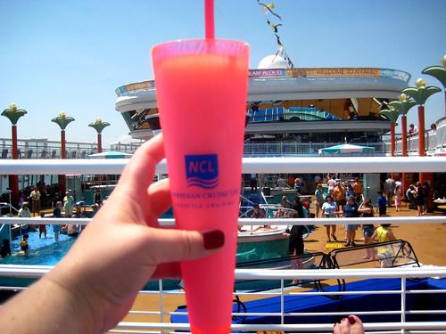 Mmmmmmm, Piña Coladas by the Pool!