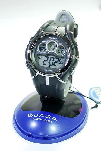 聽說當兵要帶耐操好用的電子錶,很想跟人不同,不過大概很難∼ @_