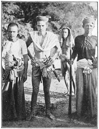 Panglima Hassan of Sulu men in traditional costume Philippine old pictures photograph black and white Philippines Buhay Pinoy Filipino Pilipino  people photos life Philippinen