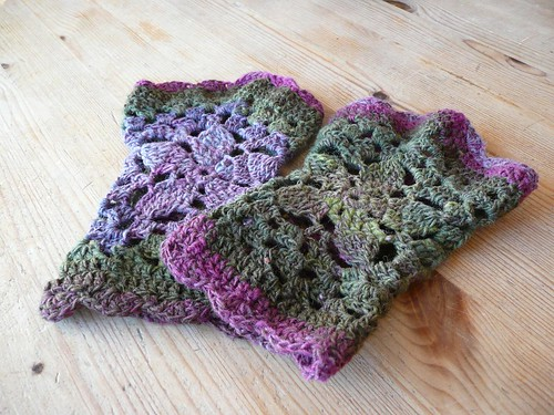 * CUTE!!  Now Im thinking I need to get some Noro sock yarns, too...  he he he