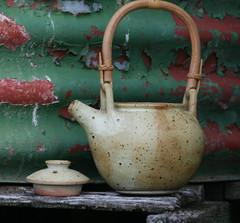 DRM, Stoneware teapot
