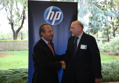 Visita el Presidente Felipe Calderón las insta...