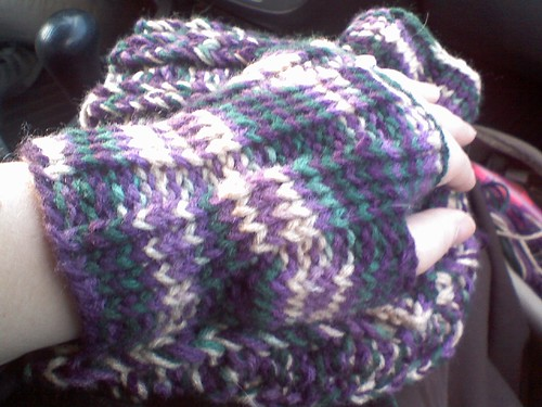 hilary's mitts- thumb gusset