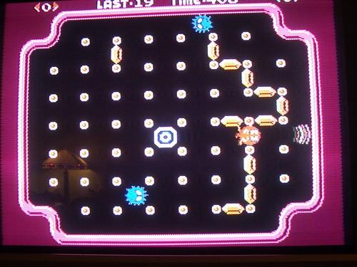Clu Clu Land gameplay