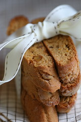 orange gingerbread biscotti 1