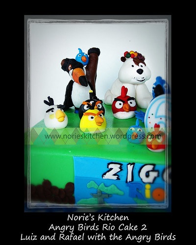 Norie's Kitchen - Angry Birds Rio Cake 2 - Luiz and Rafael with the Angry Birds