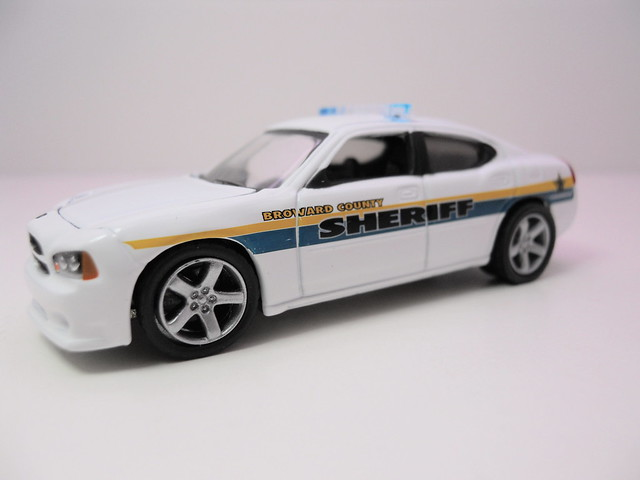 greenlight hot pursuit 2008 dodge charger broward county sheriff florida (3)