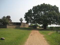 2.Beautiful entrance