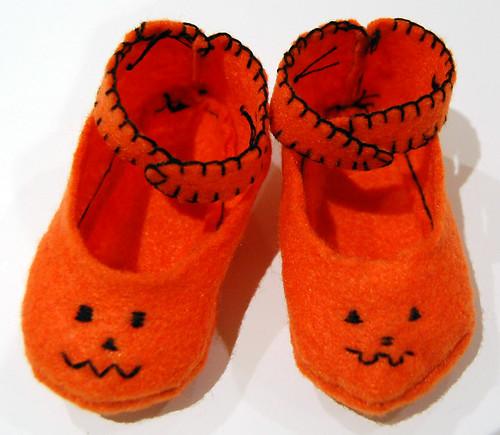 jack-o-lantern booties