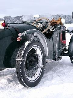 Austin 7 im Schnee