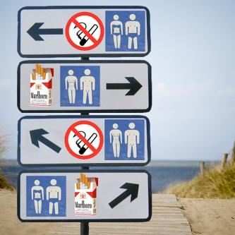 roken met kleren links, naaktroken links in het midden, rookvrij met kleren rechts in het midden, rookvrij naaktlopen rechts